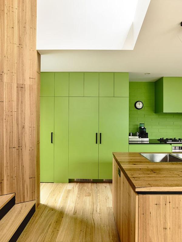 renovar la cocina con vinilo de color greenery