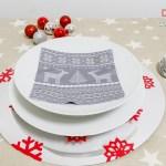 Decorar la mesa en Navidad con salvamanteles de vinilo efecto espejo