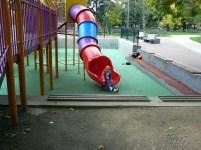 Тунелна пързалка, но не е спираловидна