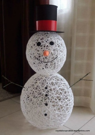 Yarn Snowman craft tutorial complete