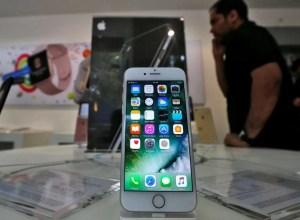 Apple confirma que ralentiza los iPhone