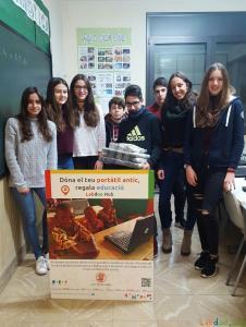 Alumnes del Col·legi Vedruna Sant Elies animen a donar ordinadors a Labdoo.