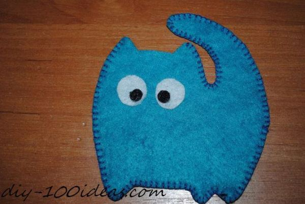 Felt cat ornament (4)
