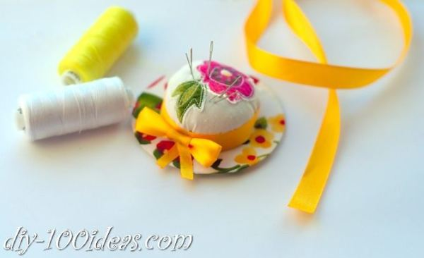 DIY pincushion holder (1)