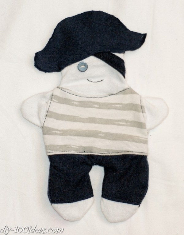 How to sew soft Pirate Doll (3)