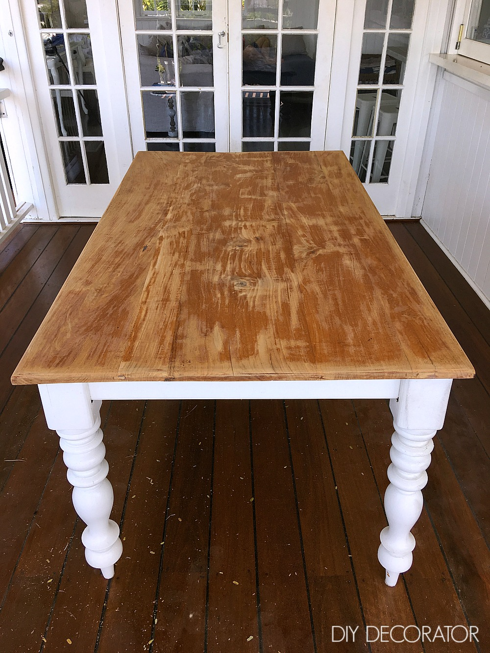 Refinishing outdoor table sanding