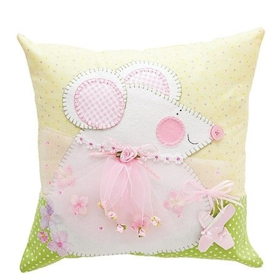 Throw Pillows To Brighten Your Family Room