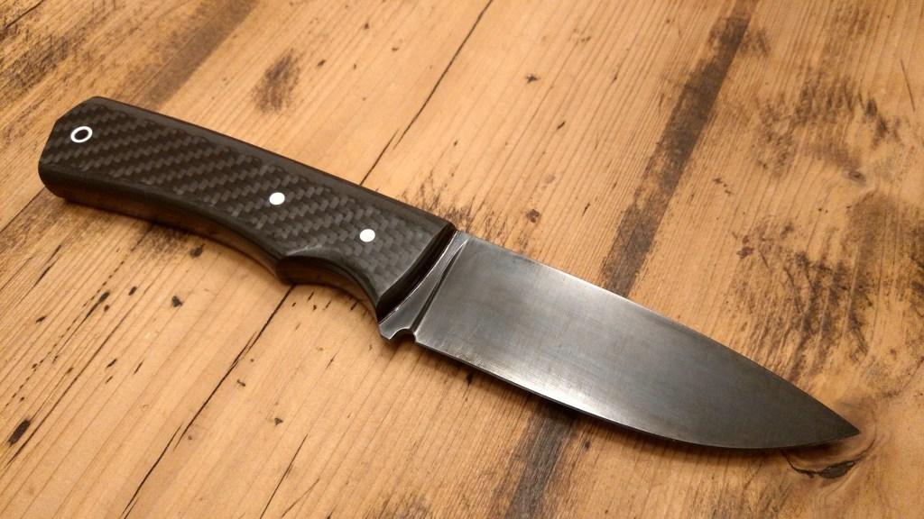 Messer mit CFK-Griff