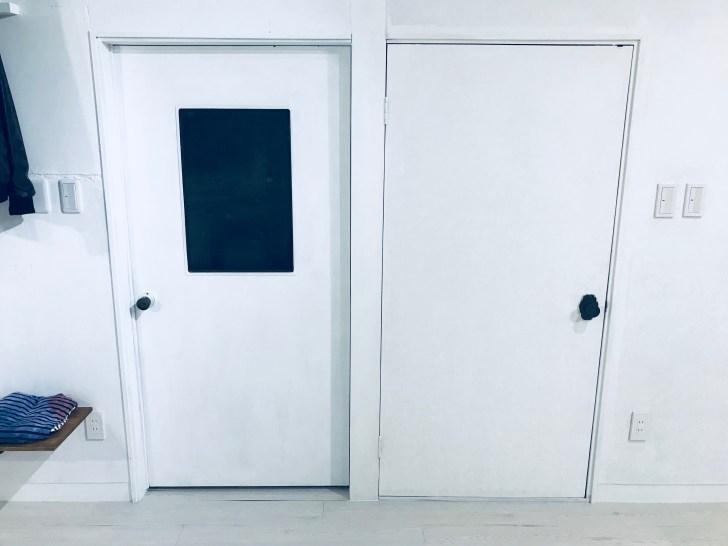 隠し扉にする前のドア