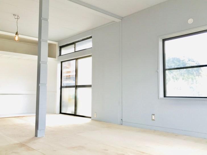 """和室の壁と天井をモルタル風に塗装して洋室にした"""""""""""