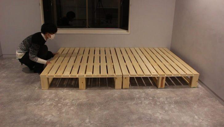 完成した2つのパレットを壁際に並べて大きさをチェック