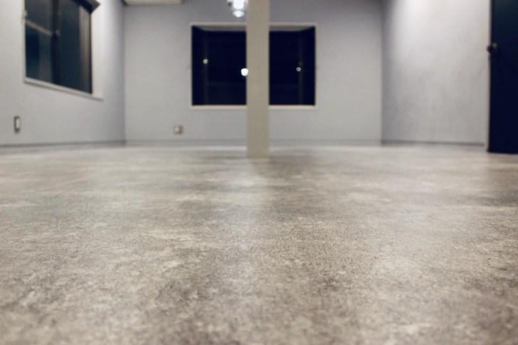 クッションフロアを張り終わった床