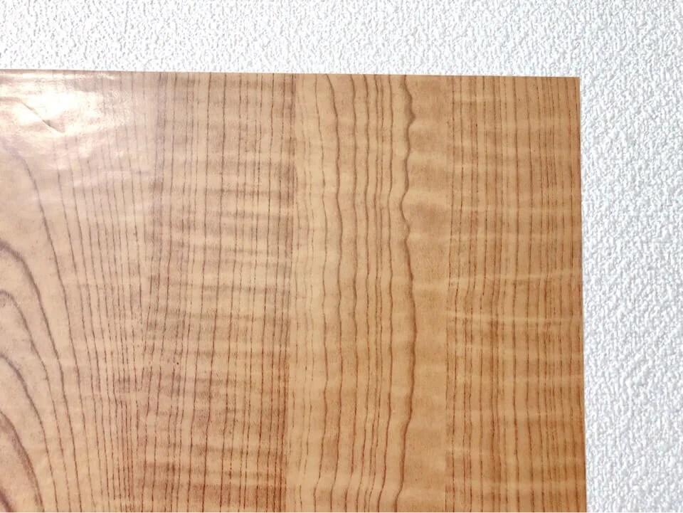セリアのリメイクシート 淡い木目柄