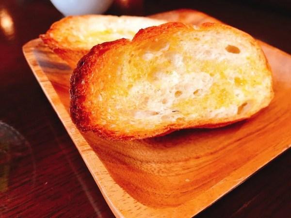 住吉モンキーレンチの日替わりランチのパン
