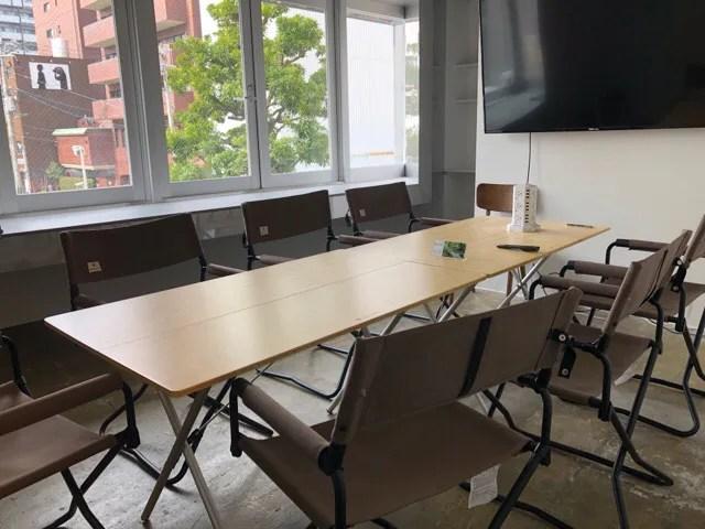 HafH Nagasaki -SAIの2階コワーキングスペースのミーティングルーム