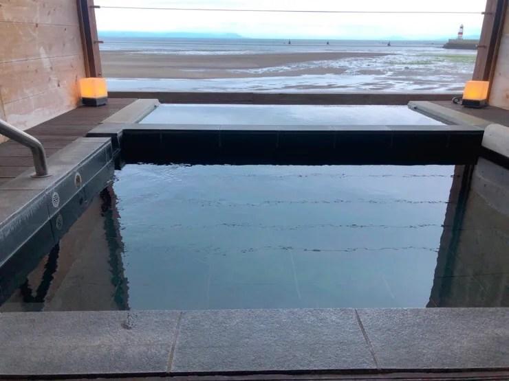 南風楼の海音には熱いお湯と冷たいお湯の2種類