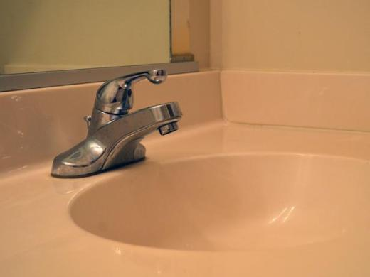 How to Replace a Bathroom Faucet   how tos   DIY CI Dylan Eastman faucet replacement before h