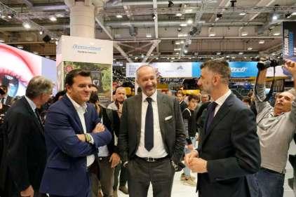 il Ministro delle politiche agricole alimentari e forestali della Repubblica Italiana, Gian Marco Centinaio e il Presidente Unacoma Alessandro Malavolti