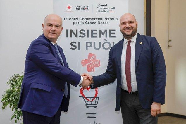 Da sinistra Massimo Moretti, Presidente CNCC e Flavio Ronzi, Segretario generale della Croce Rossa Italiana