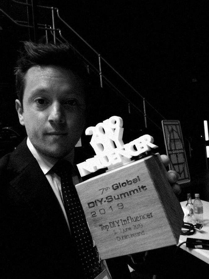 Luca Gaudenzi con il DIY Influencer Award