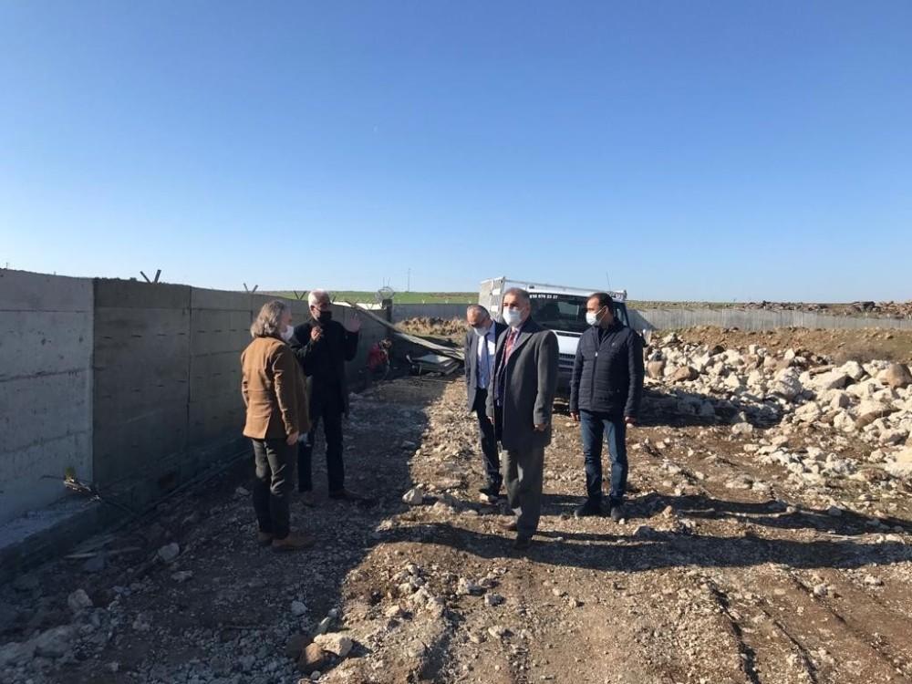 Gözeli su havzasının ihata duvarı onarıldı