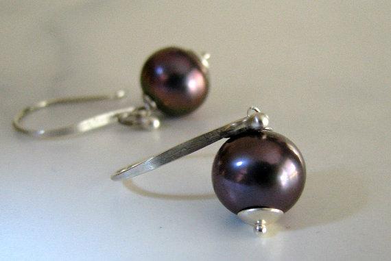 Black Pearl Earrings AAA Tahitian Peacock Freshwater Pearl Hammered Sterling Handmade Fashion – Lavender Grey by StoneLinkDesigns
