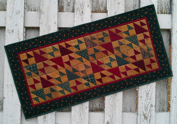 Christmas Table Runner (XTRB) by cedarpointdesigns