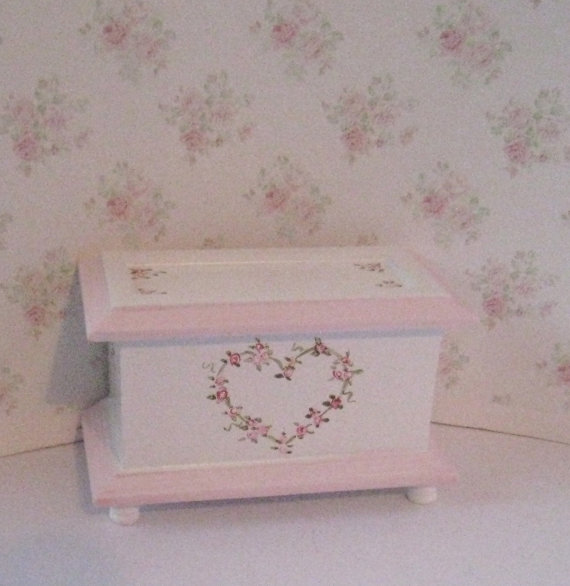 Dollhouse Toy chest, Pink and White, twelfth scale dollhouse miniature by Insomesmallwayminis