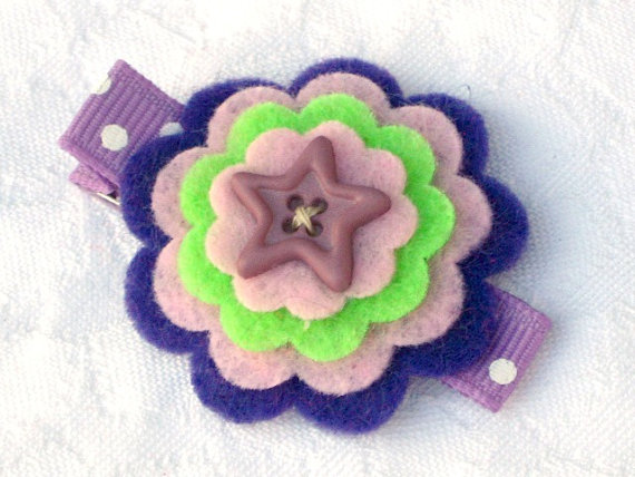 Felt flower hair clip in pruple pink and green by LittleCutieCakes