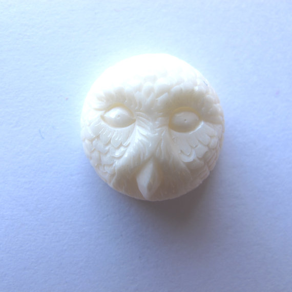 MS NEW Handcarved Cow Bone Snowy Owl Cabochon Cab 16mm Bali Fair Trade by matursuksema