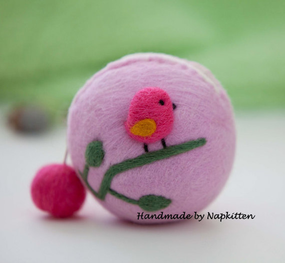 Wool felted Coin Purse, felted wool purse, Change purse, zipper coin purse Handmade Pink Bird by napkitten
