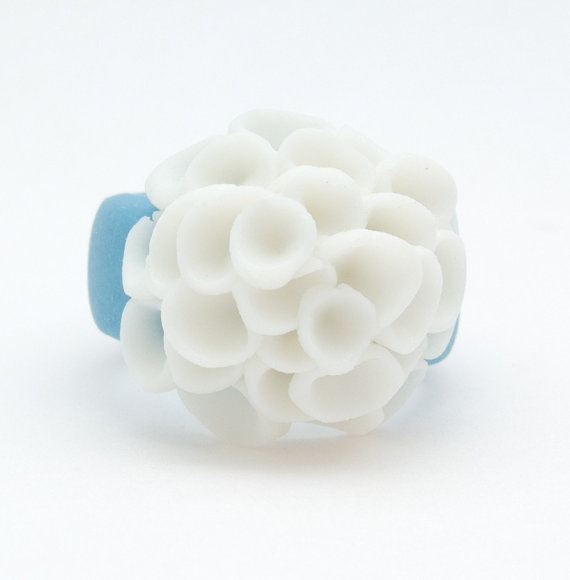 El Medano Sky Blue and White Porcelain Ring with cluster white flowers, Ceramic jewellery, Porcelain Jewellery by MaaPstudio