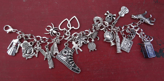 Dr Doctor WHO charm bracelet tardis – 22 silver tone metal charms– by snorkelbuzz