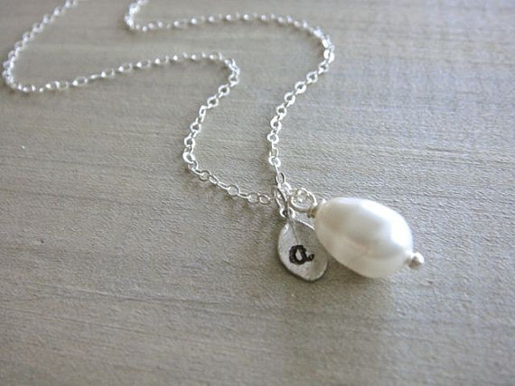Personalized Simple White Teardrop Pearl Necklace in Silver – Wedding, Bride, Bridal, Bridesmaid, Mother's Day by Beazuness