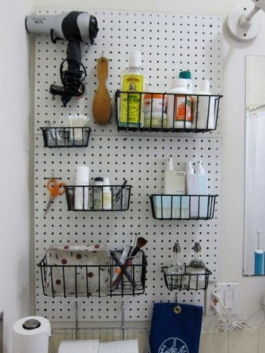 pegboard-ideas-bathroom-2-450x600