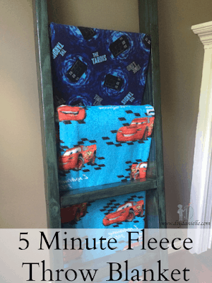 Easy 5 minute fleece throw blanket.