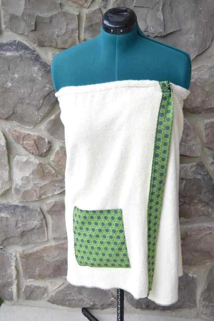 This is the spa wrap completed with a big pocket.
