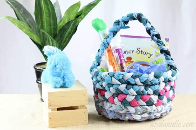 Easy Hand Sewn Easter Basket