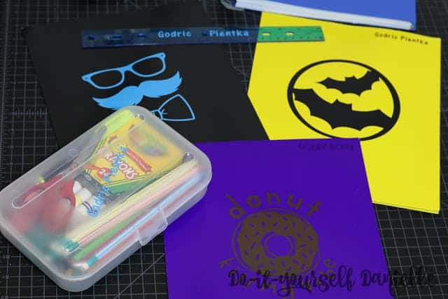Customizing school supplies DIY.