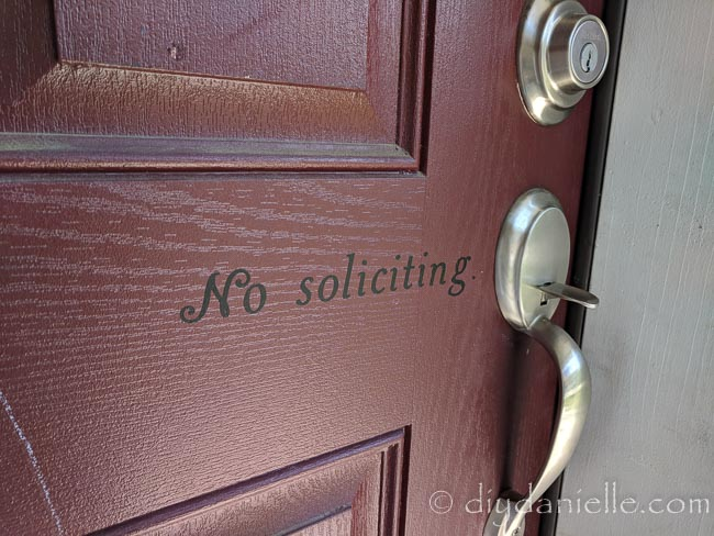 How to make an easy no soliciting sign with the Cricut