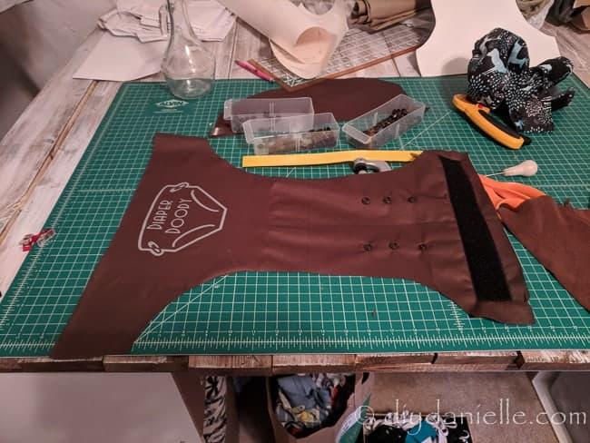 Iron on vinyl applied to polyurethane laminate (PUL)