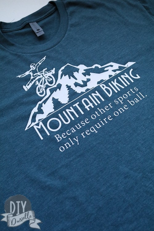This easy and quick t-shirt is the perfect gift for a  mountain biking fan!