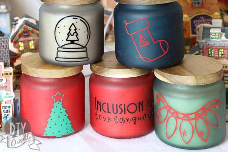 Personalized candles make great homemade gifts! Who doesn't love candles!