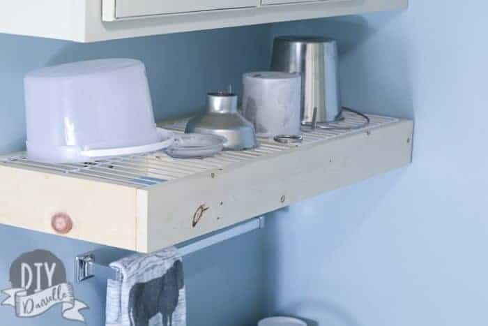 Dish drying rack mounted on wall