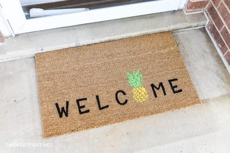 DIY Welcome Pineapple Doormat   Personalized Doormats
