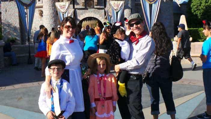 Family of Five Costume Idea - Mary Poppins, Jane banks and more