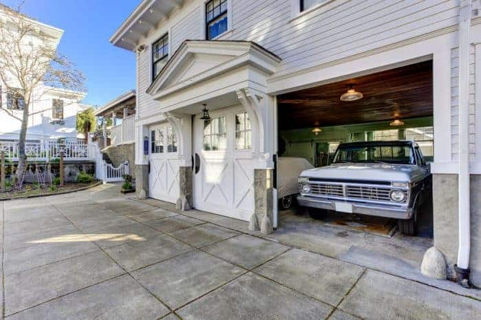 Gorgeous exterior garage doors.