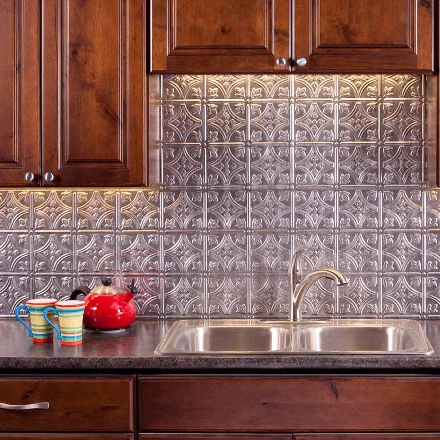 Fasade Backsplash - Traditional 1 in Crosshatch Silver