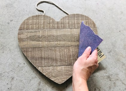 DIY craft: sand your heart sign.
