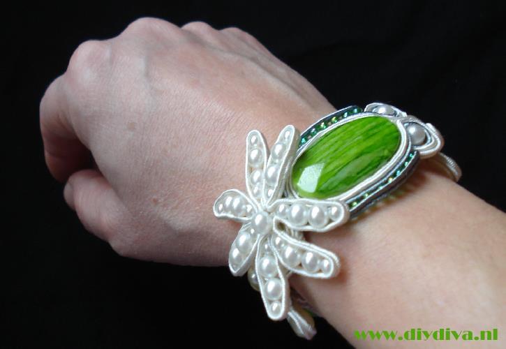 soutache bloemen armband diydiva 1